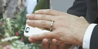 se casa con celular.3