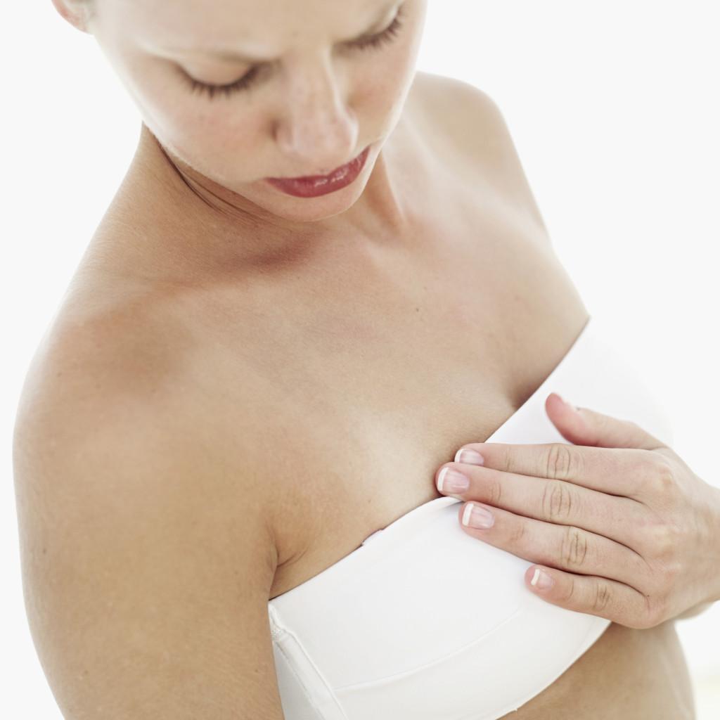 Mientras tu cuerpo ajusta la producción de leche puedes sufrir incomodidad.
